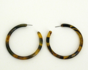 Medium Tortoise Shell Hoop